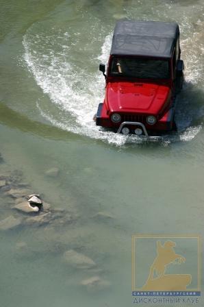 Jeep Wrangler умеет плавать
