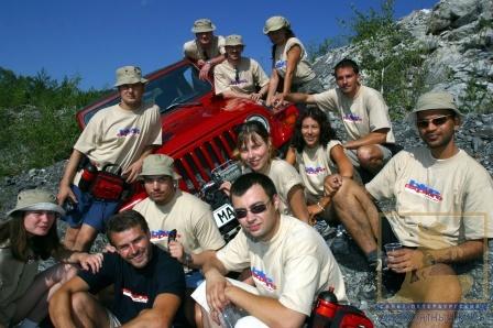 Групповое фото команды мальборо