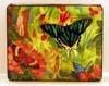 Шкатулки. Шкатулки с художественной росписью преимущественно приобретают для женщин. Это очень красивый, приятный и функциональный подарок. По форме, размерам и художественной росписи их многообразие невозможно описать. Их цена в магазине может составлять от 5 до 5000 долларов США